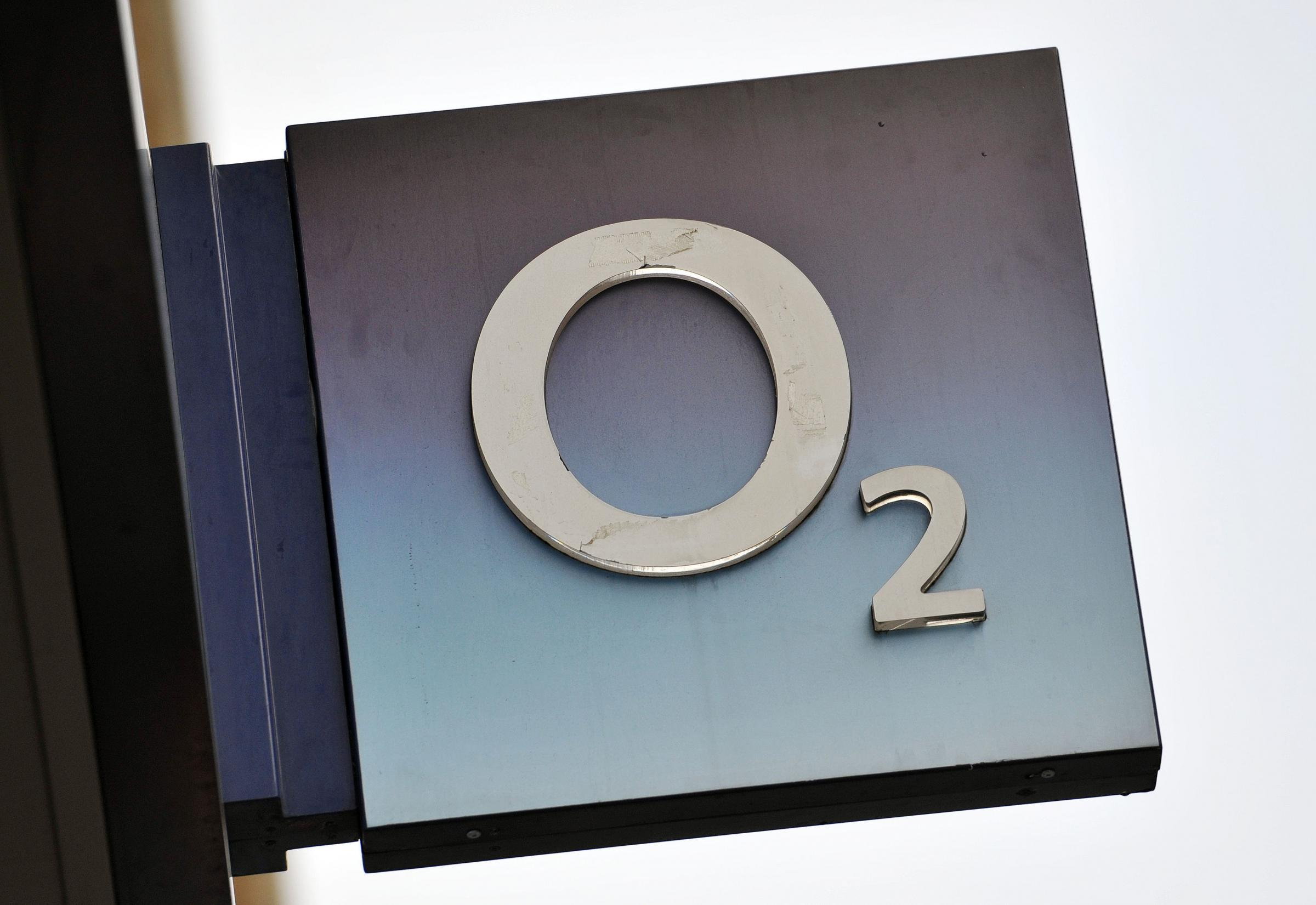 O2 says its services have been restored after a technical fault left millions of customers unable to get online